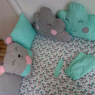 Бортики-подушки с постелькой