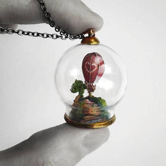 Кулон с миниатюрным воздушным шаром