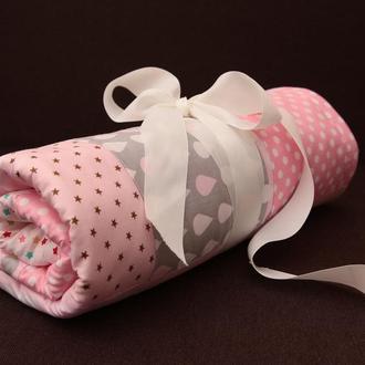 Розовый детский плед, конверт на выписку в стиле пэчворк. Теплый плед в коляску из плюша минки.