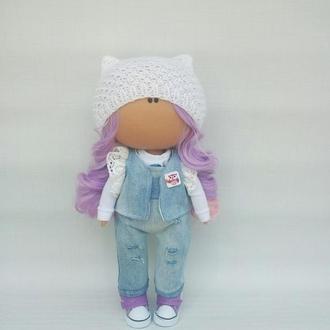 Інтер'єрна лялька у джинсовому костюмі