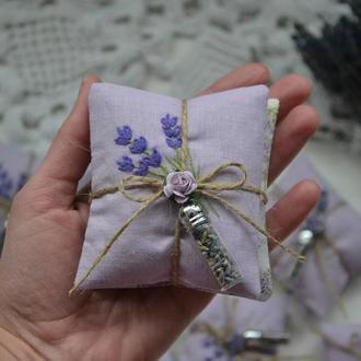 Лавандовые саше-подушечки с вышивкой, размер 9 х 8 см