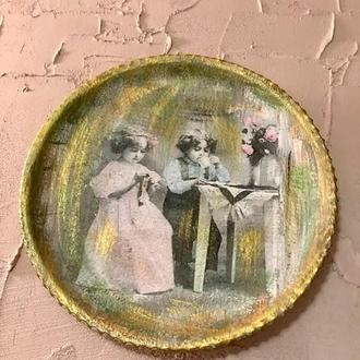 Young Couple Авторская декоративная тарелка