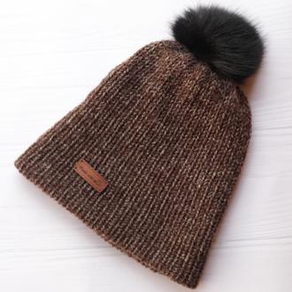 Двуслойная бесшовная вязаная шапка с натуральным помпоном (коричневый меланж)