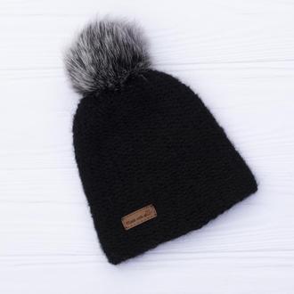 Двуслойная бесшовная вязаная детская шапка с натуральным помпоном (черный)