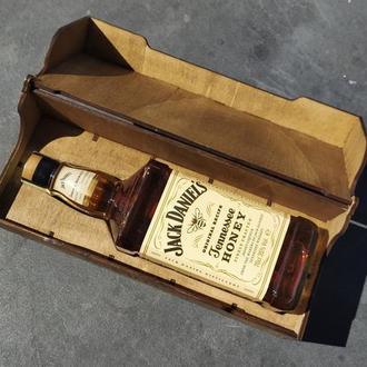 Подарочная коробка под 0,7 Джека из дерева