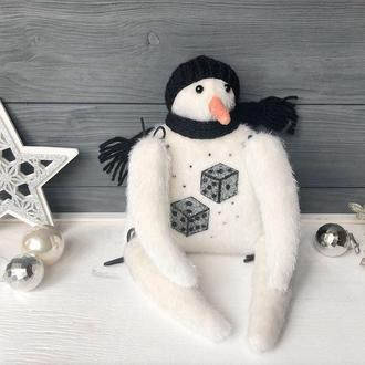Интерьерная игрушка Снеговик, авторская ручная работа