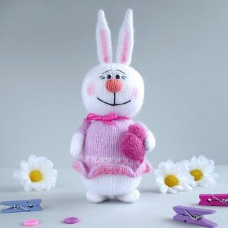 Розовая зайка, мягкая игрушка вязаная спицами.