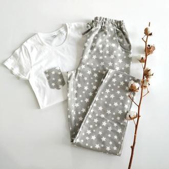 Серая фланелевая пижама с футболкой и штанами в звездочки для женщин