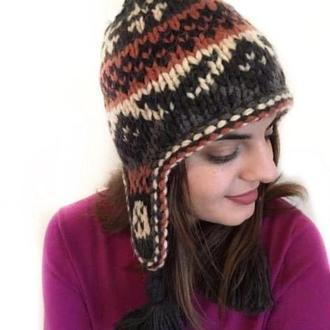 Вязаная шапка-ушанка