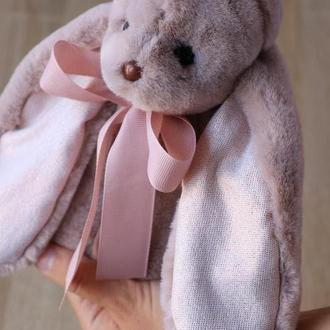 Рожевий декоративний заєць вухань Біг з коротковорсового хутра преміум
