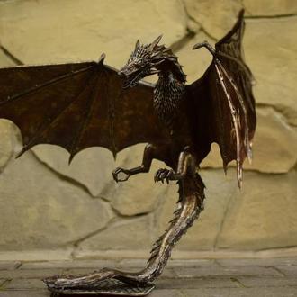 скульптура дракона Дрогона из нержавеющей стали