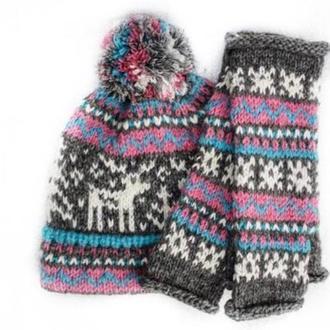 вязана зимова шапка біні з помпоном в комплекті з мітенками
