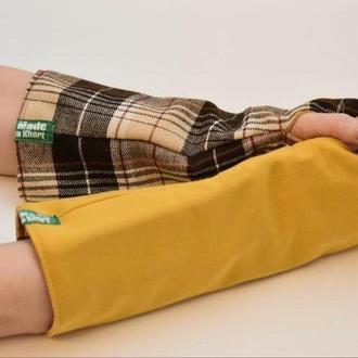 Митенки унисекс,  перчатки без пальцев двусторонние,  средней длинны горчичный и коричневая клетка