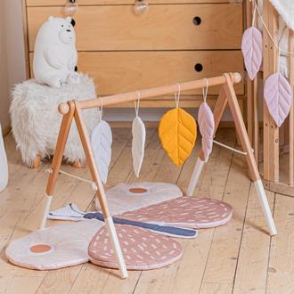 Развивающий комплекс: коврик и стойка с подвесками для развития малыша Butterfly