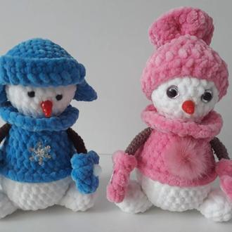 Пара сніговиків