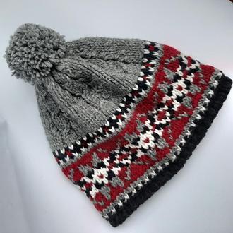 вязаная зимняя шапка  бини с помпоном в норвежском стиле