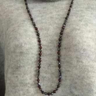 Длинное ожерелье (бусы) из натурального камня тигровый глаз и гематит разной огранки