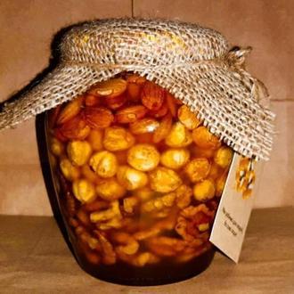 Орехи с вкусным медом