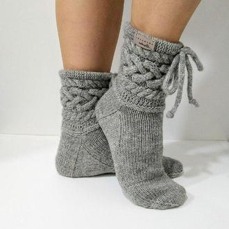Вязаные женские носки из специальной носочной пряжи