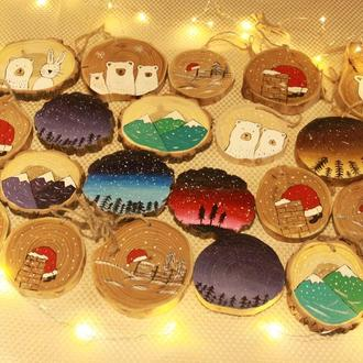Елочные украшения на спилах дерева