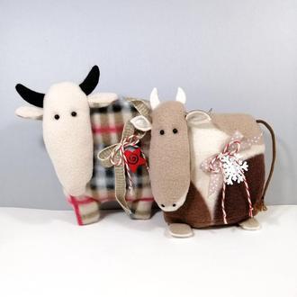 Новогодний бычок Мягкая елочная игрушка корова Символ года бык