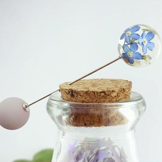 Брошь-игла с белыми и голубыми незабудками Булавка шпилька с цветами (модель № 2682) Glassy Flowers