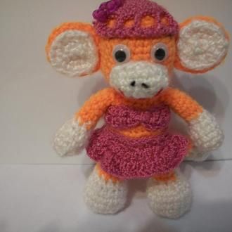 Вязаная обезьянка модница