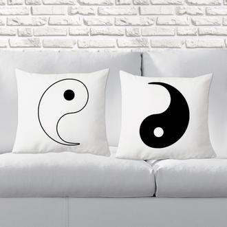 """П000133 Парні декоративні подушки з принтом """"Інь і ян"""""""