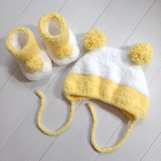 Комплект для малыша: шапочка + пинетки (0-6 месяцев)