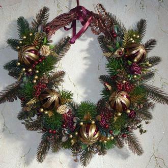 Рождественский венок овальной формы