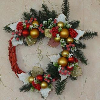 Рождественский венок красный с золотом