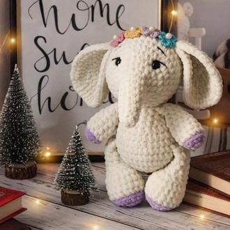 Плюшевый милый слоник, вязаный слон