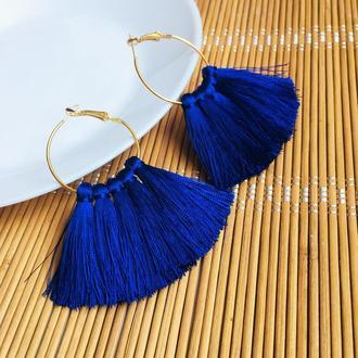 Серьги кольца с синими кисточками