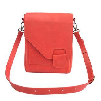 Кожаная сумка-мессенджер на скрытом магните. 07013/красный