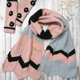 Комплект - розовый вязаный палантин и розовые митенки - красивый и уютный подарок