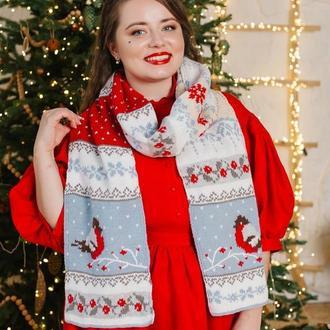 Вязаный шарф со снегирями «Зимняя любовь»