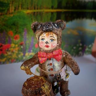 """Ватная елочная игрушка """"Мишка очень любит мёд"""""""