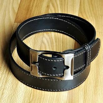 Широкий кожаный ремень черный