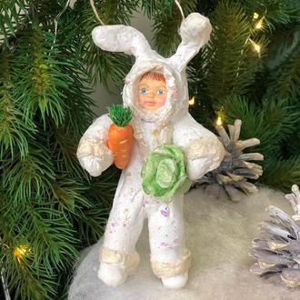 Елочная игрушка из ваты «Малыш-зайчик»