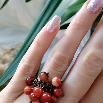 Кольцо с сердоликом и агатом ′Гроздь рябины′
