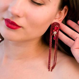 Яркие длинные сережки красного цвета, серьги swarovski
