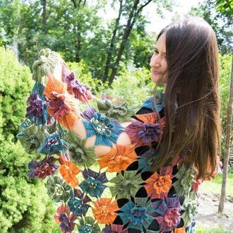 Шаль крючком меланж объёмные цветы