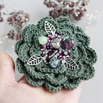 Большая брошь цветок на пальто Зеленая брошь с турмалином Зимняя брошь бохо