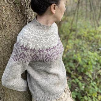Вязаный шерстяной женский свитер с узором