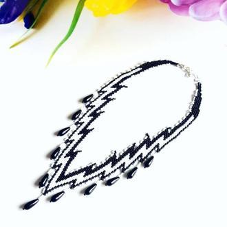 Шикарное черно-белое ожерелье из бисера Эксклюзивный подарунок