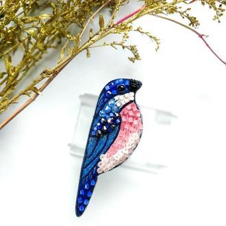 Вышитая брошь из бисера и бусин Синяя птица