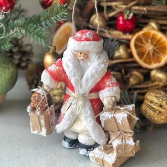 Елочная игрушка из ваты «Дед мороз с подарками»