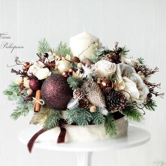 Большой новогодний подсвечник в коричнево-кремовом цвете.