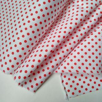 Ткань хлопок в красный горошек на белом