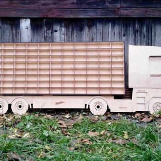 Hot Wheels Garage - детская полка на 88 авто грузовик Renault Magnum. Размер 1.60 м. х 65 см.